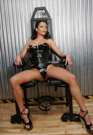 Diva with huge boobies agreed to be fucked by lesbo love on fetish armchair