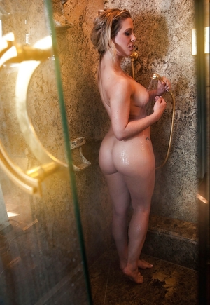 Porn model with sizable chest and awesome ass cheeks turns on taking shower