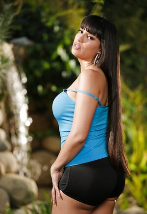 Impressive Latina Sexually available mom sneaks in garden to show her round boobs and not only